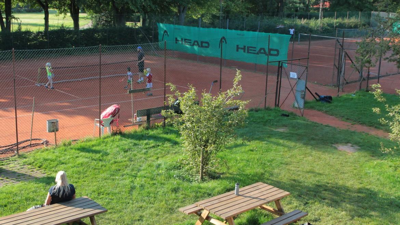 Leje af tennisbaner via Wannasport de 2 sidste måneder udendørs